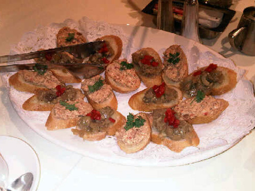 Bruschetta with Gorgonzola, Red Roasted Peppers & Kalamata Olives