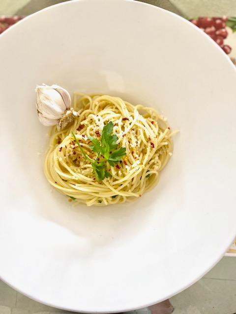 Aglio E Olio Spaghetti with Garlic & Olive Oil